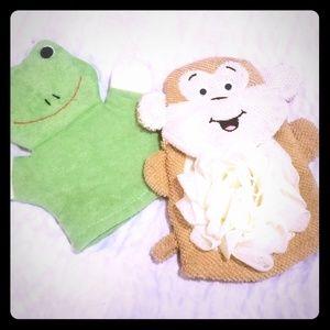 Other - NWOT Monkey & Frog Scrub Mittens